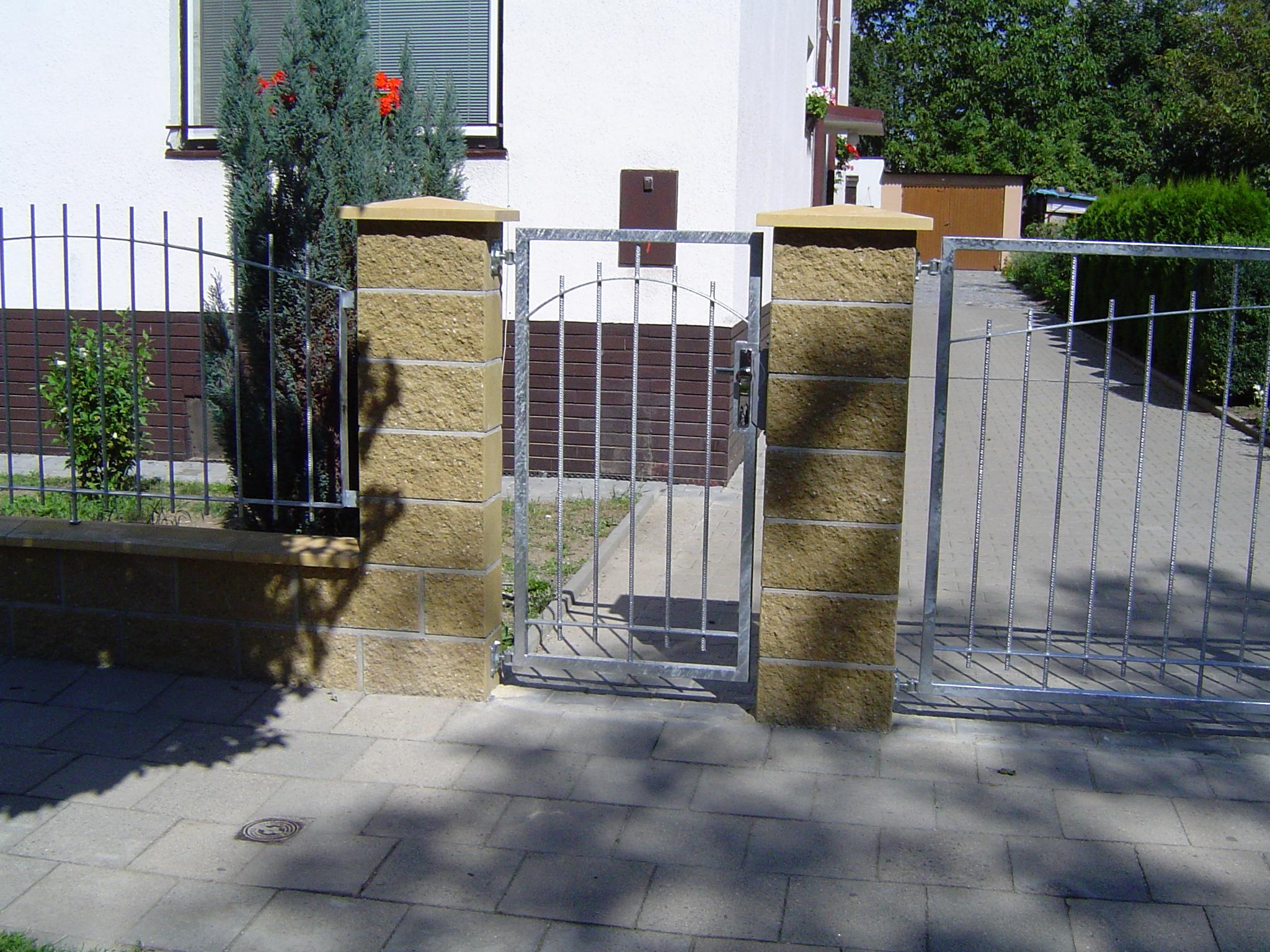 Vrata, branky, ploty